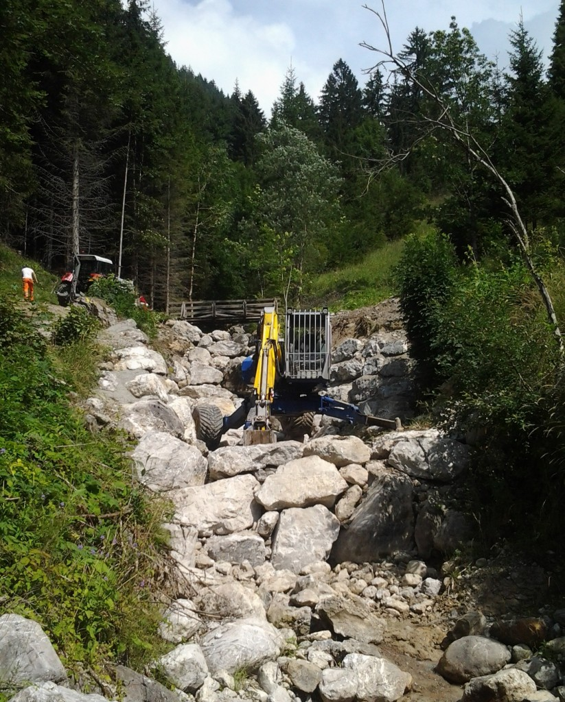 Construction de barrages en blocs